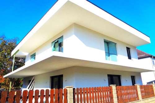 Komplette Haus- ETAGE  mit   Garten und überdachter Süd- + West- Terrasse !!