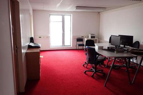 "84 m² / 4 Zimmer Büro zur Untermiete ""all inklusive"" – U-Bahnnähe"