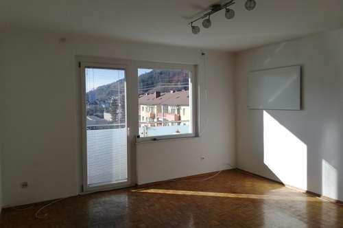 *TOP LAGE*, ruhige, schöne, sonnige 2 Zimmer Wohnung, ohne Makler!