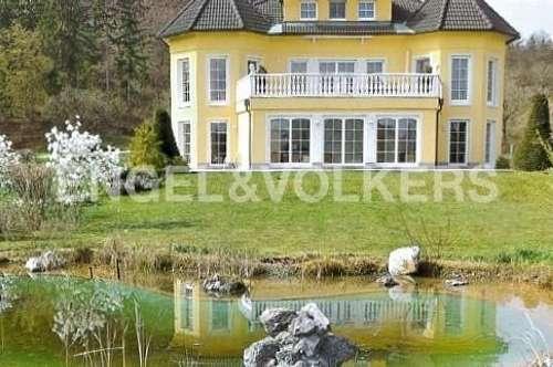 Mehrfamilienhaus mit Schlosscharakter