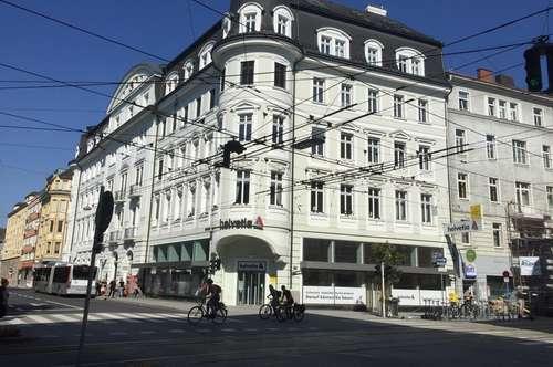 Attraktives Gastrolokal inkl. Schanigarten in sehr gut frequentierter Ecklage auf der Landstraße in Linz zu vermieten