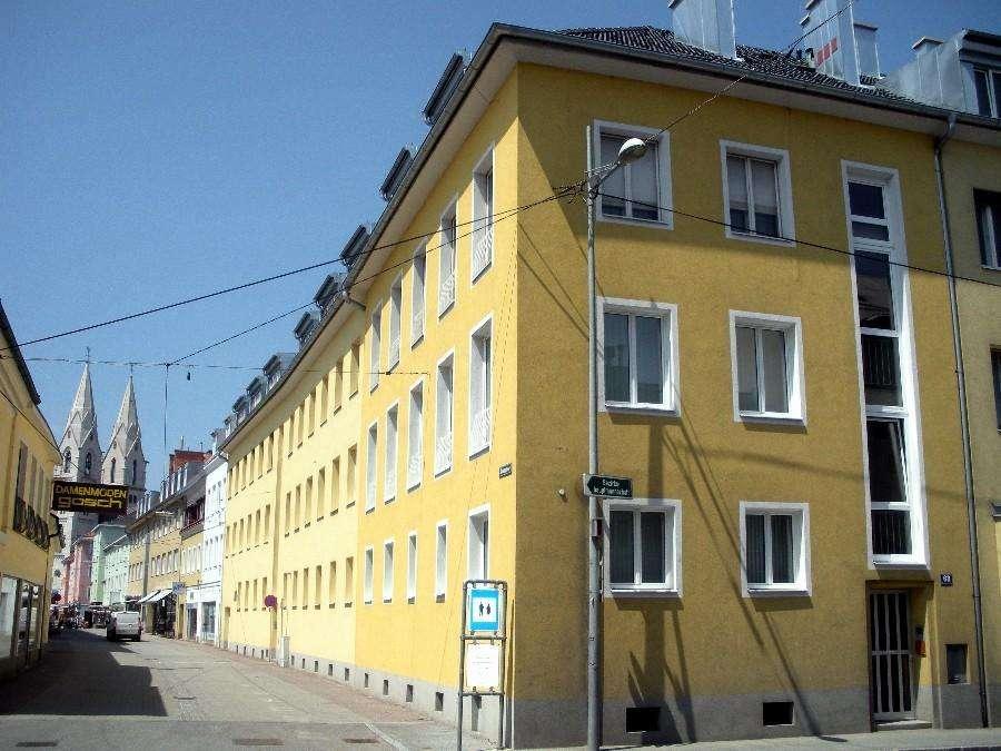 Schöne Dachgeschosswohnung im Zentrum von Wiener Neustadt