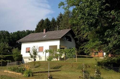 Freistehendes Einfamilienhaus in der Oststeiermark (Baujahr 1975)