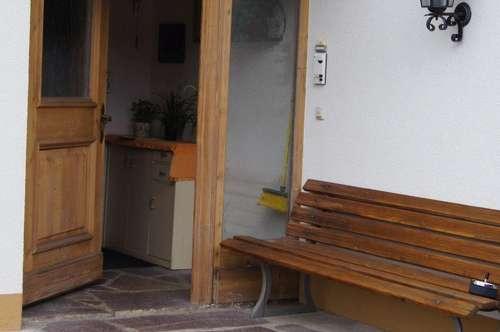 Schöne 3 Zimmer Wohnung mit Balkon und 2 Parkplätzen zu vermieten
