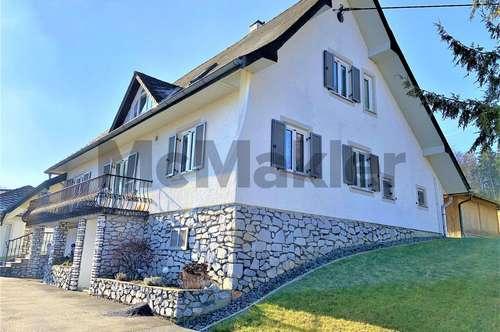 Sonnige Alleinlage auf ca. 10.500 m²: Modernisiertes EFH/ZFH mit 4 Garagen und überdachter Terrasse