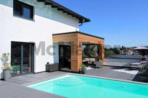 Freistehende Poolvilla mit exklusiver Ausstattung in Traumlage von Henndorf am Wallersee