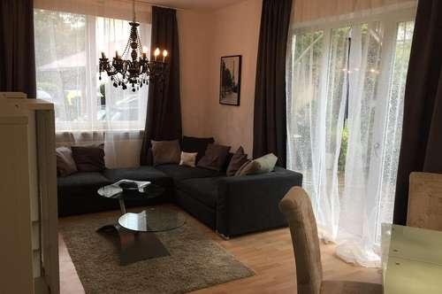 Vollmöglierte 2 Zimmerwohnung mit kleiner Terrasse