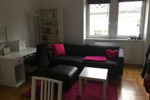 Privat:Wunderschöne 2-Zimmer mit 15m2 sonniger Loggia! Nachmieter gesucht