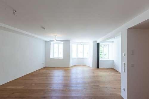 Helle, großzügige, 2 Zimmer, sehr zentral, ruhig, Einbauküche, beste Materialien, Dielenboden, neuesteHaustechnik in Altbau, cooles Bad
