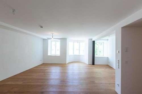 2 Zimmer, sehr zentral, ruhig, hell mit Einbauküche, beste Materialien, Dielenboden, neuesteHaustechnik in Altbau, cooles Bad