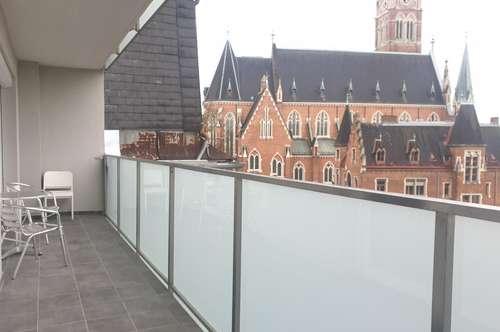 Studenten aufgepasst!!! Großzügige 3-Zimmer Wohnung mit Balkon und Loggia und einem schönen Blick auf Herz-Jesu Kirche in St. Leonhard!!!!