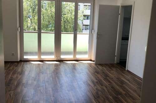 PROVISIONSFREI Ruhige, sonnige 2 Zimmer Wohnung mit Balkon - Erstbezug nach Sanierung, Alte Poststraße