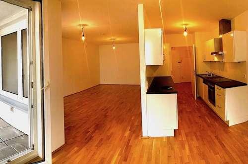 Großzügige wunderschön sanierte Wohnung mit Loggia