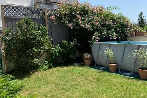 Provisionsfreie einzigartige Gartenwohnung mit Reihenhauscharakter und Pool
