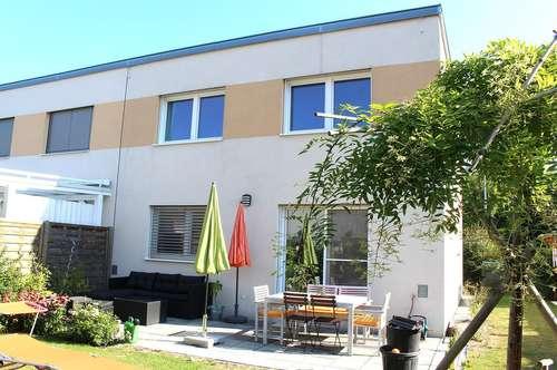 Neuwertiges Haus in Grünruhelage mit großzügigem Garten