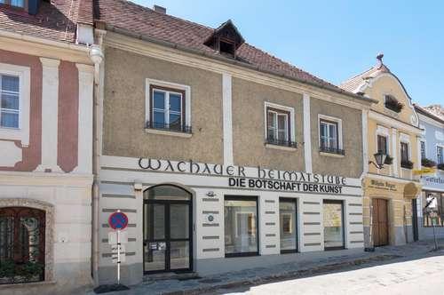 2-geschossiges Wohnhaus mit Gewerbeeinheit mitten im Ortskern von Weißenkirchen in der Wachau