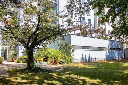 Top Lage, neu renovierte 92m² Wohnung mit Balkon und grünem Innenhof direkt bei U3 Zippererstraße.