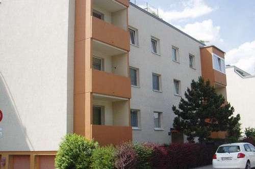 Ruhige Wohnung in sehr gutem Zustand in St.Pölten; Balkon; Parkplatz
