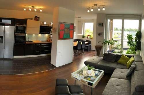 Helle Neubauwohnung in bester Lage mit 20m2 Terrasse und 2 Garagenplätzen