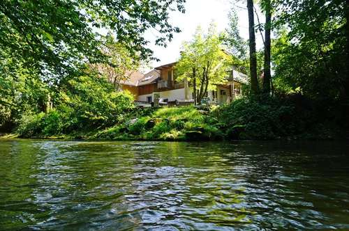 Salzburg - Hallwang!  Kleines Paradies an der Fischach! Einfamilienhaus mit privatem Badeplatz.