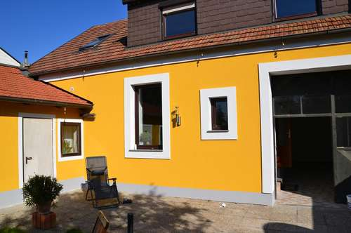 Ein Haus zum Verlieben für Menschen die gerne im Garten arbeiten.