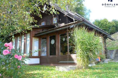 Holzhaus in traumhafter und sonniger Aussichtslage