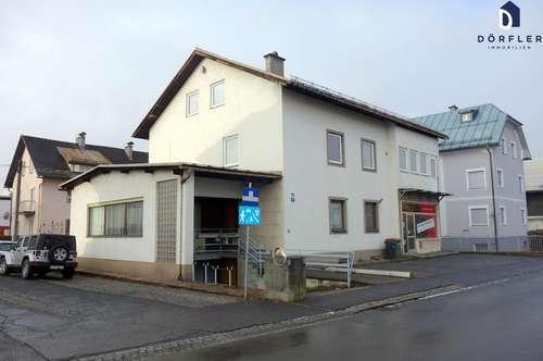 Wohn- und Geschäftshaus mit Renovierungsbedarf