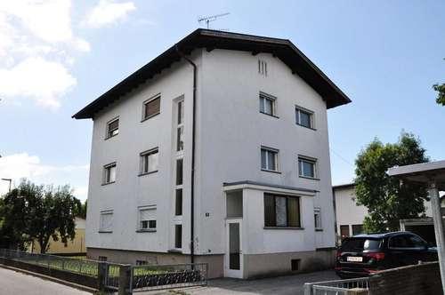 Älteres 3 Wohnungshaus in Lauterach