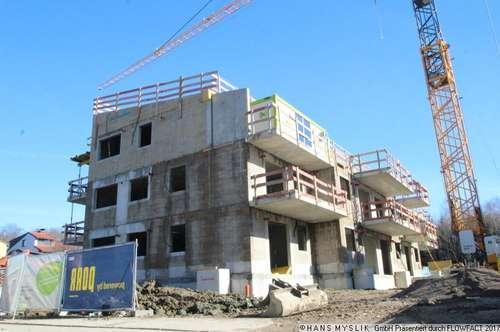 NEU! 2 Zimmer - Dachgeschoß - Wohnung mit Lift und Tiefgarage