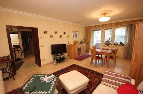 >>> 3-Zimmer Wohnung samt GARAGE und Loggia !