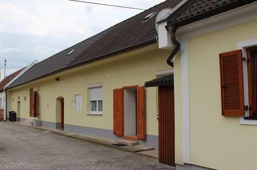 PAUL & Partner: EINFAMILIENHAUS mit Nebengebäude (Streckhof)