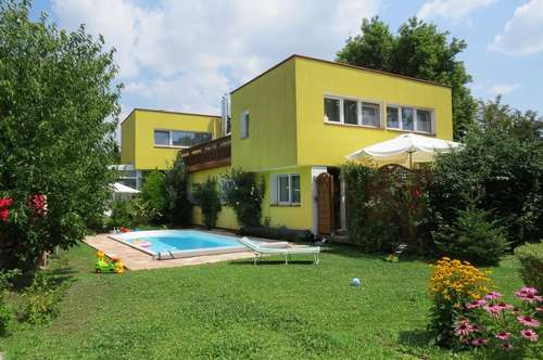 TRAUMHAUS MIT GROSSEM POOL IN ABSOLUTER RUHELAGE!