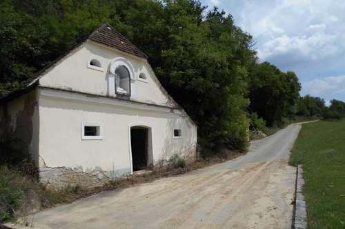 >>> Weinkeller mit Grundstück in perfekter Ruhelage