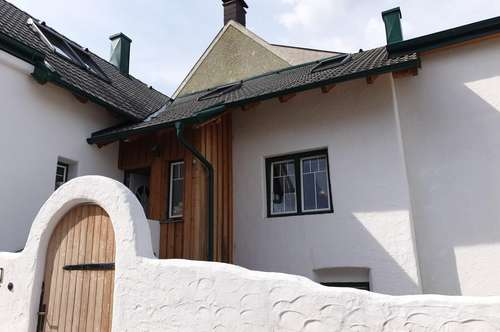 PAUL & Partner: Einfamilienhaus mit gemütlicher Terrasse und Fernblick
