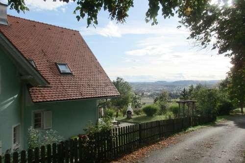 Wohnen in Stadtnähe, Ganztagssonne, toller Fernblick, Haus mit Potential