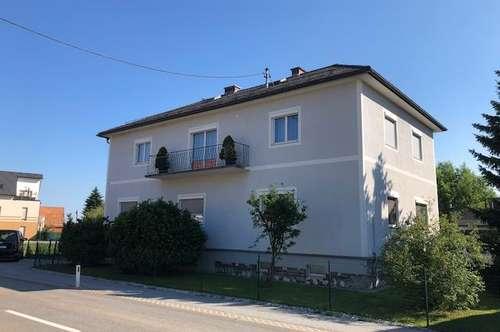 Zettling /Unterpremstätten: Gepflegtes Zweifamilienhaus mit Doppelgarage und Doppelcarport