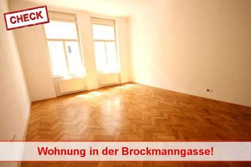 WG- fähige Altbauwohnung Nähe Dietrichsteinplatz mit Balkon!