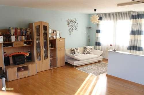 Großzügige Maisonette Wohnung mit Blick auf Burgruine Rauhenstein