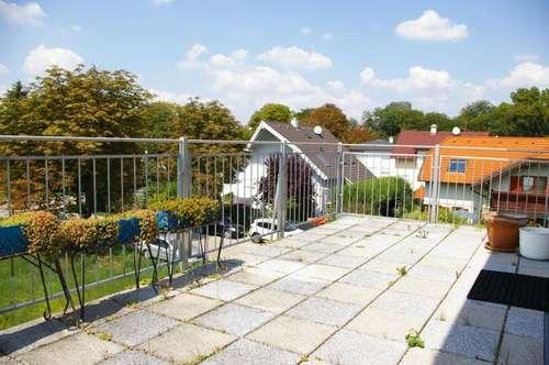 NEUWERTIGES Reihenhaus mit Garten!