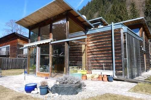 Einfamilienhaus - Holzhaus mit Sanierungsbedarf