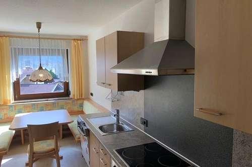 Geräumige 3 Zimmer Wohnung mit Loggia!