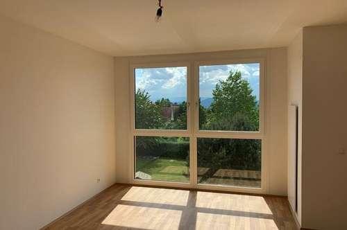 Dachgeschosswohnung 3 Zimmer Wohnung mit Loggia!