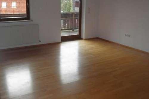 Sehr schöne, großzügige 5 Zimmer Wohnung in Vill ab sofort zu mieten !!!