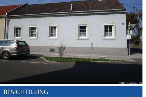 Wiener Neustadt - älteres Einfamilienhaus mit Garage und Nebengebäude