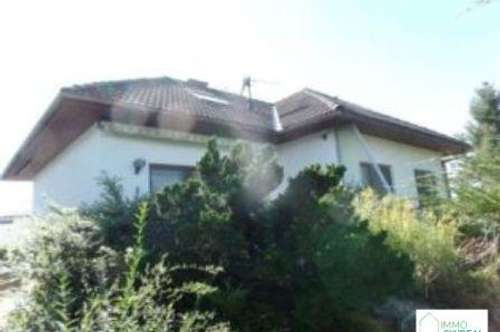 B Götzendorf See - Solides Einfamilienhaus mit 2 Wohneinheiten mit Seezugang!