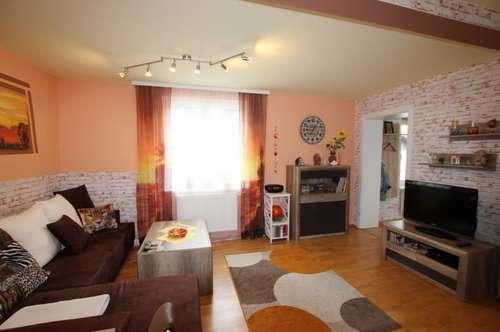 Sonnige 2-Zimmer Wohnung mit Balkon!