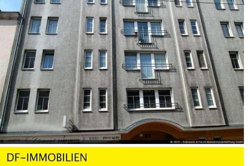 Garagenplatz beim Viktor-Adler-Markt (Hebebühne oben)!
