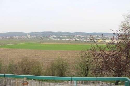 Provisionsfreie Eigentumswohnung mit Loggia und Tiefgaragenplatz in begehrter Lage!