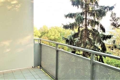 Absolute Grünruhelage! - 2 Zimmerwohnung mit Südbalkon und Ausblick!