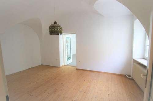 ** Einmalige Chance ! ** Einfamilienhaus ** zwei Lokale ** Hainburg an der Donau ** 473 m² GRUNDSTÜCK ** 8 Zimmer **